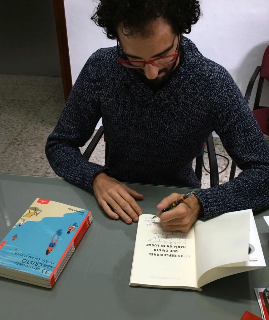 David González Lago dedica su poemario a los ahijados de Sigue tu cepa